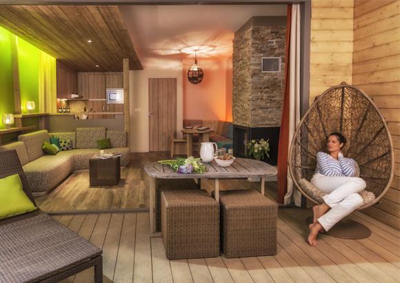 nieuw in 2015 center parcs vienne in frankrijk. Black Bedroom Furniture Sets. Home Design Ideas