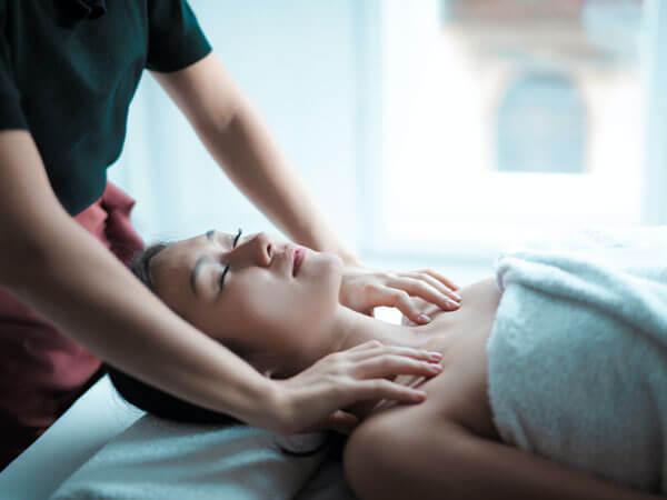 https://cparcs.nl/wp-content/uploads/2020/09/centerparcs-wellness-spa-massage.jpg